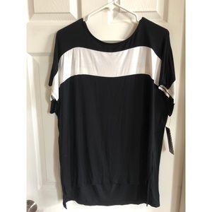 Dana Buchman black and white shirt sleeve top